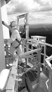 tech on blade scaffold